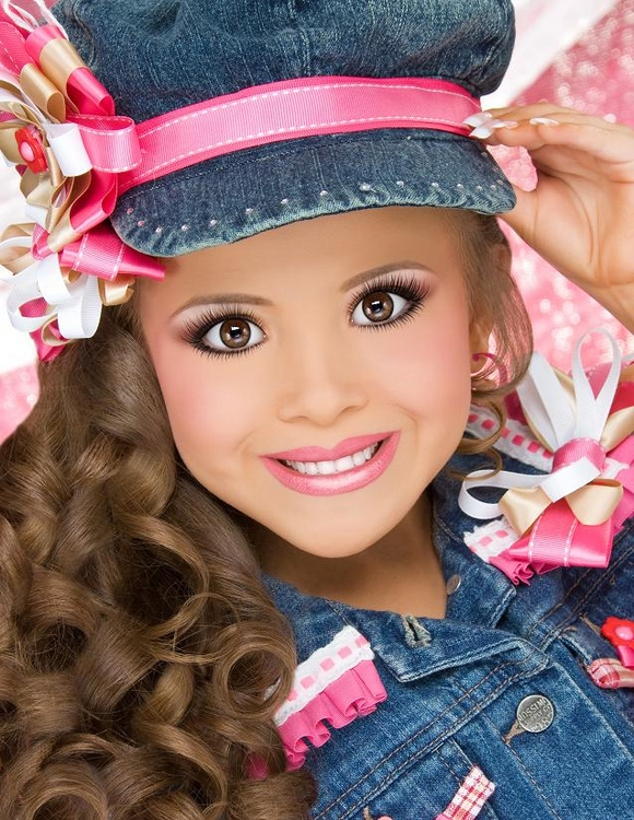 Creepy Toddlers And Tiaras 009